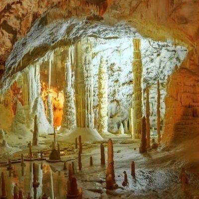 Grotte-di-Frasassi-2-898x400